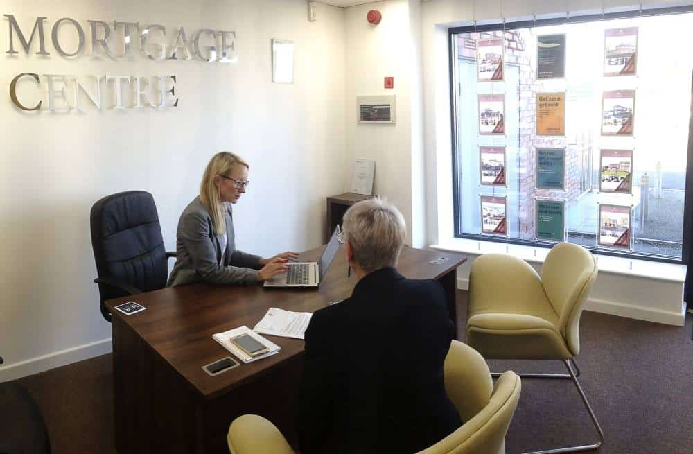 Independent Mortgage Adviser in Sheffield Office Consultation
